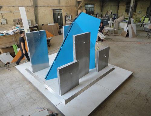 اجرای تکنیک اوریگامی با فلز – استند نمایش محصول سامسونگ